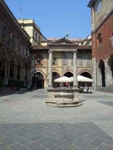 Pozo Piazza Mercanti  - visitas guiadas milan