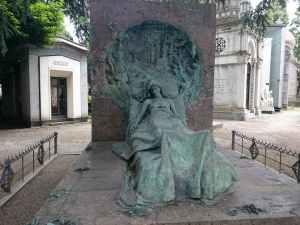 Tumba Isabella Casati del Monumental de Milan - visitas guiadas