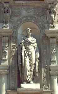 Estatua San Ambrosio - visitas guiada milan español